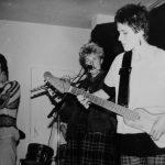 Wanda's, Geralda (gitaar/antropofoon) en Lies (zang, dwarsfluit)